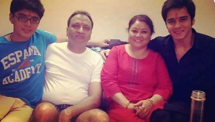 anshuman malhotra family image
