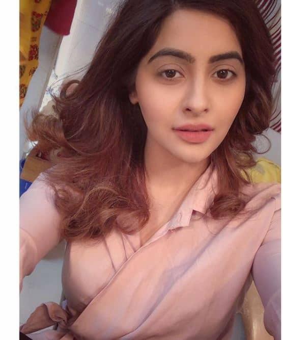 Yukti Kapoor Image hd beautiful madam sir