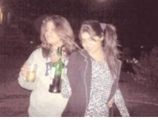 Yukti Kapoor drinking alchol with Friends