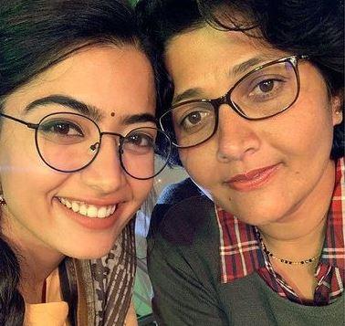 rashmika mandana with her mother