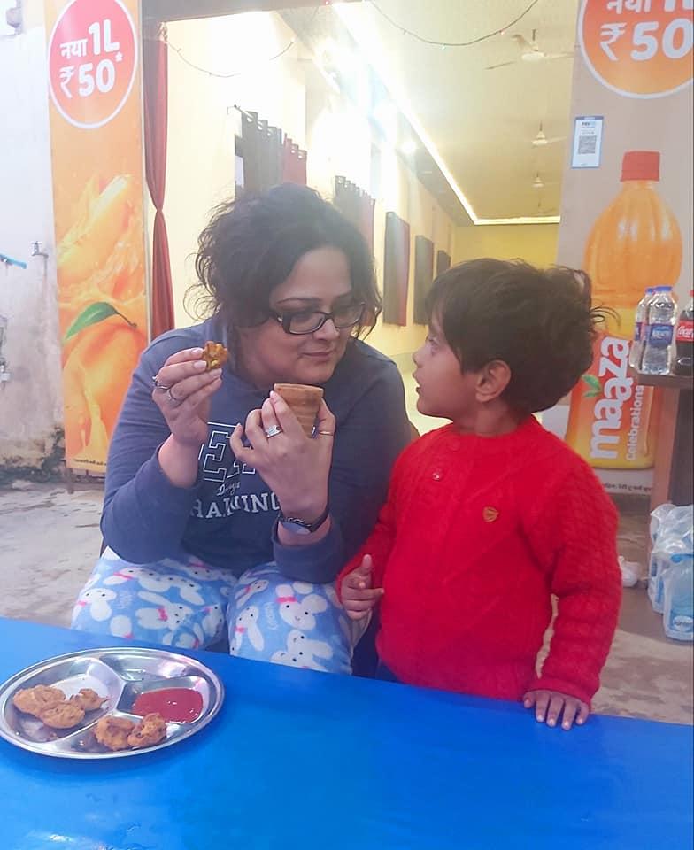 subuhi khan and her son