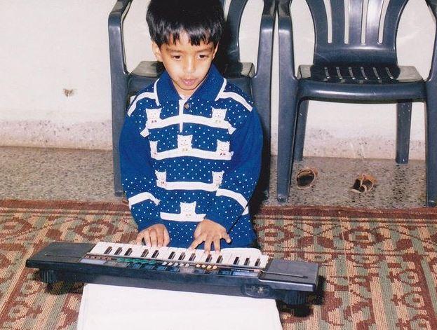 yashraj mukhate childhood image - starwikibio