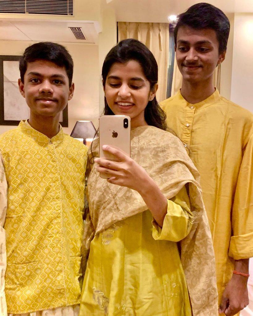 Maithili Thakur Brothers Image -StarWikiBio